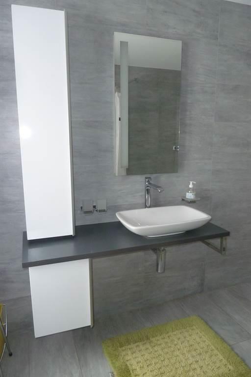 Badezimmer / Lavabo