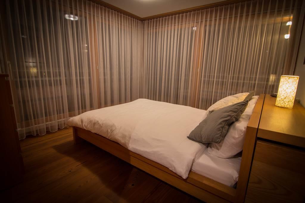 SPERLING MASTER BEDROOM
