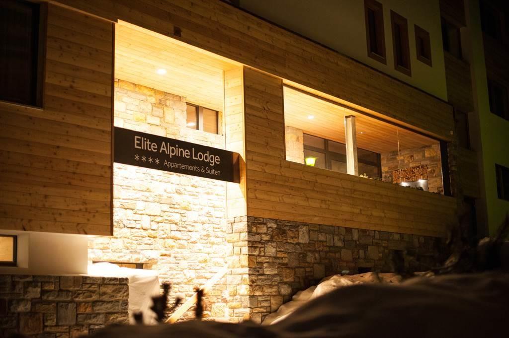 Elite Alpine Lodge Eingang