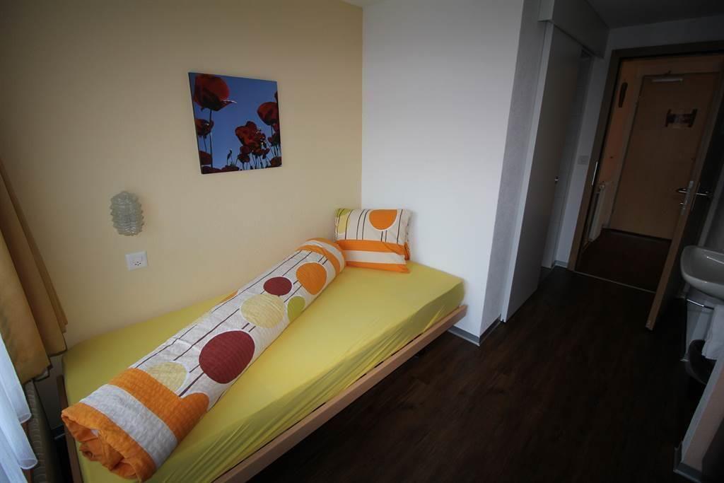 Einzelzimmer mit Balkon/Heino