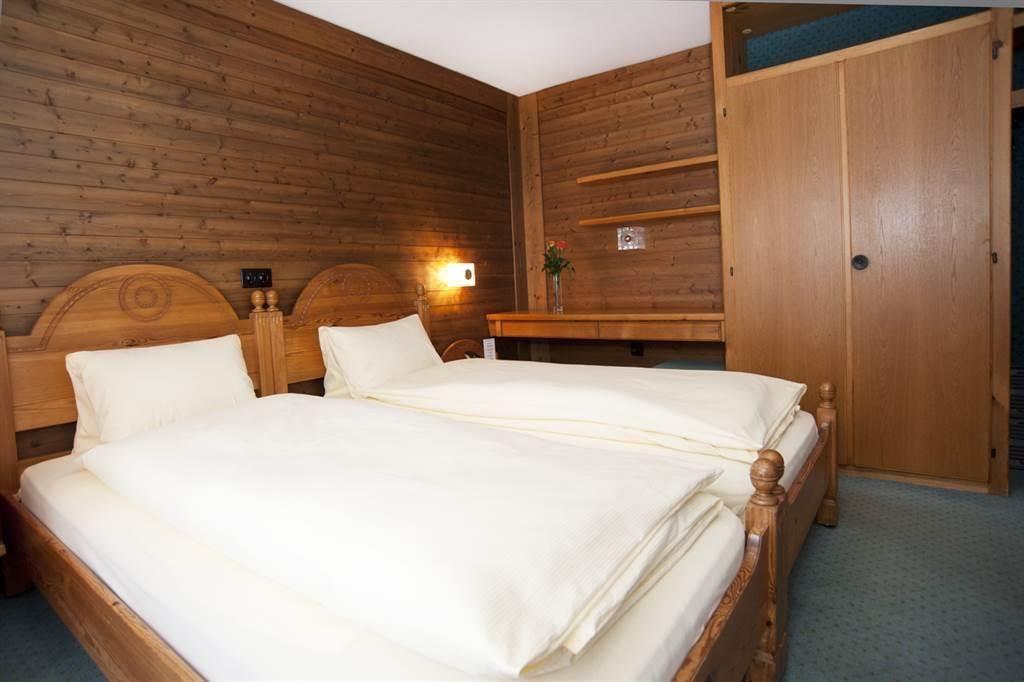 Doppelzimmer1-25-26web