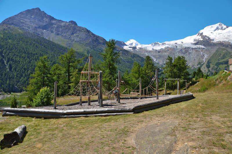 Chalet-Venetz-Saas-Fee-Spielplatz