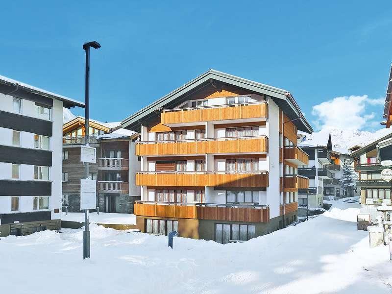 Chalet-Venetz-Saas-Fee-aussen-Winter