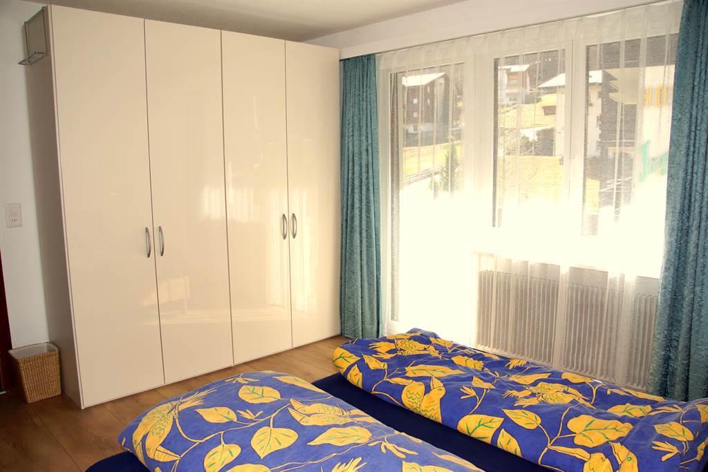 Schlafzimmer 1 01