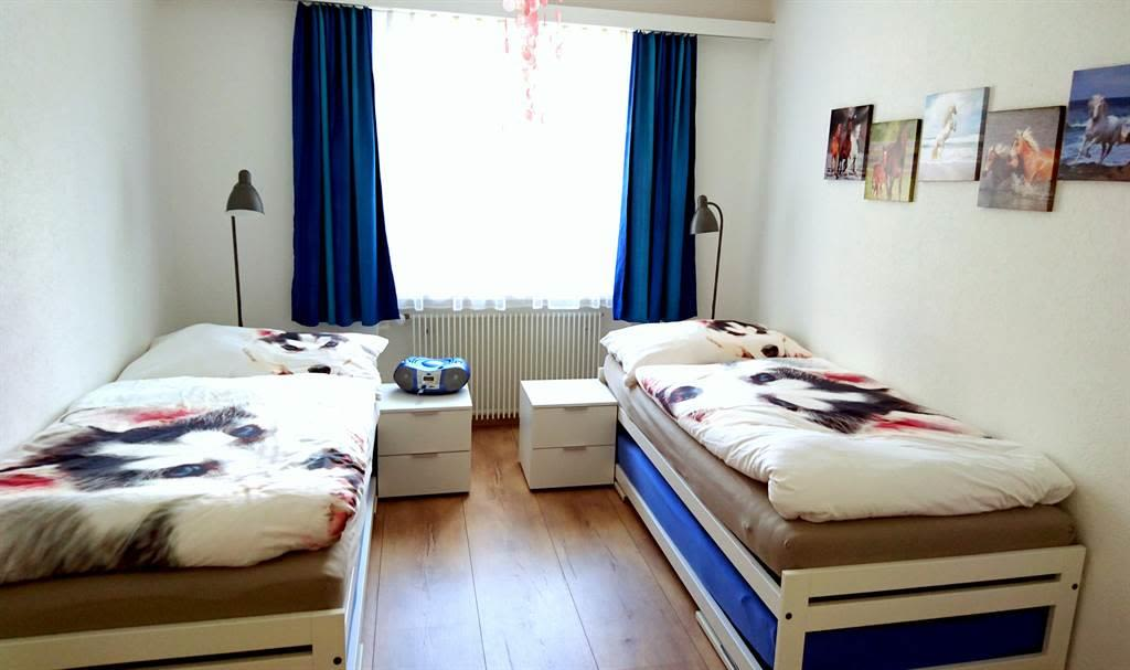 Schlafzimmer 2 01