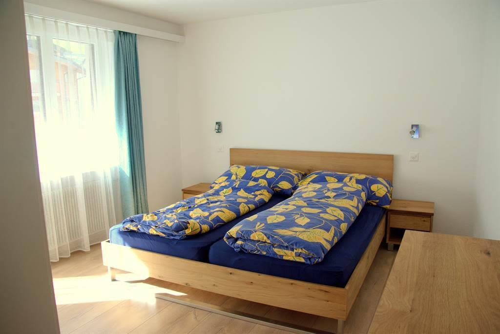 Schlafzimmer 1 02
