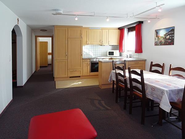 1. Stock / Küche mit Südostbalkon
