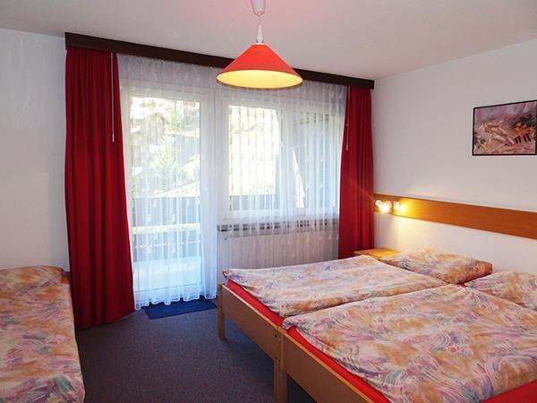 1. Stock / Schlafzimmer mit Südbalkon