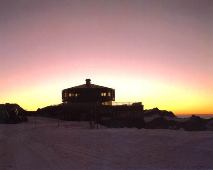 Sonnenaufgang auf METRO