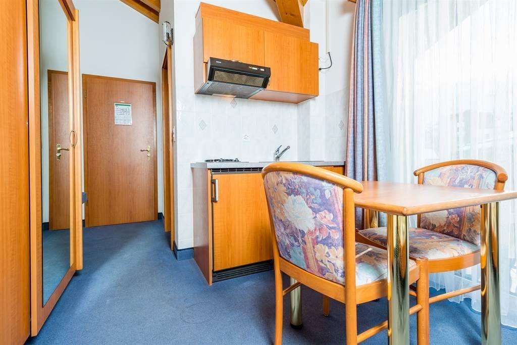 Doppelzimmer mit Kochnische