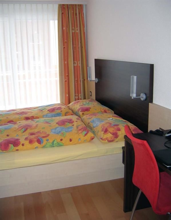 Zimmer 2-Zimmer-Wohnung