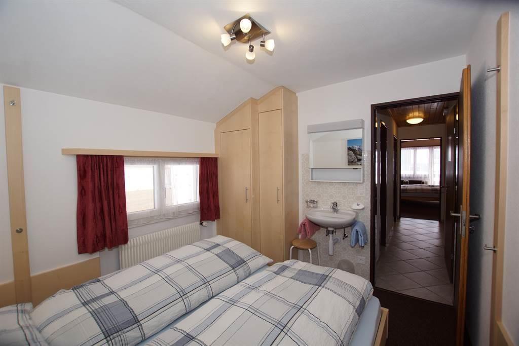 Doppelschlafzimmer / Lavabo / Dachwohnungen