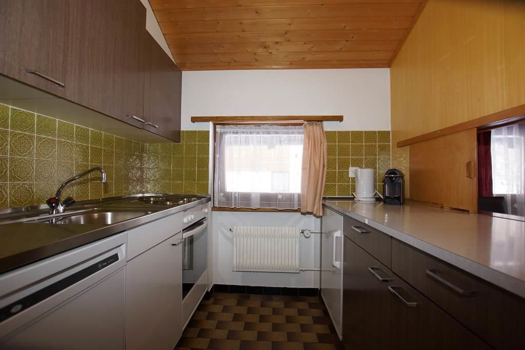 Küche / Geschirrwaschmaschine / Backofen