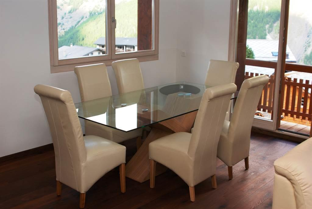 Chalet Daphne Dining Table