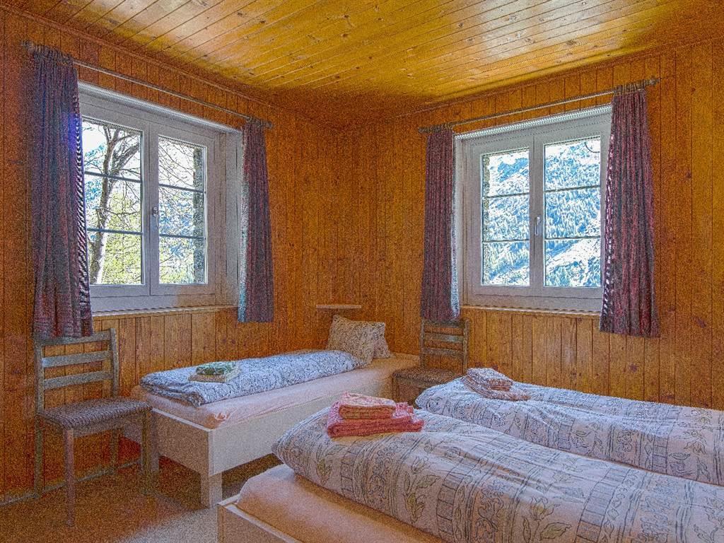 8.2 3 Bett Zimmer mit Lavabo