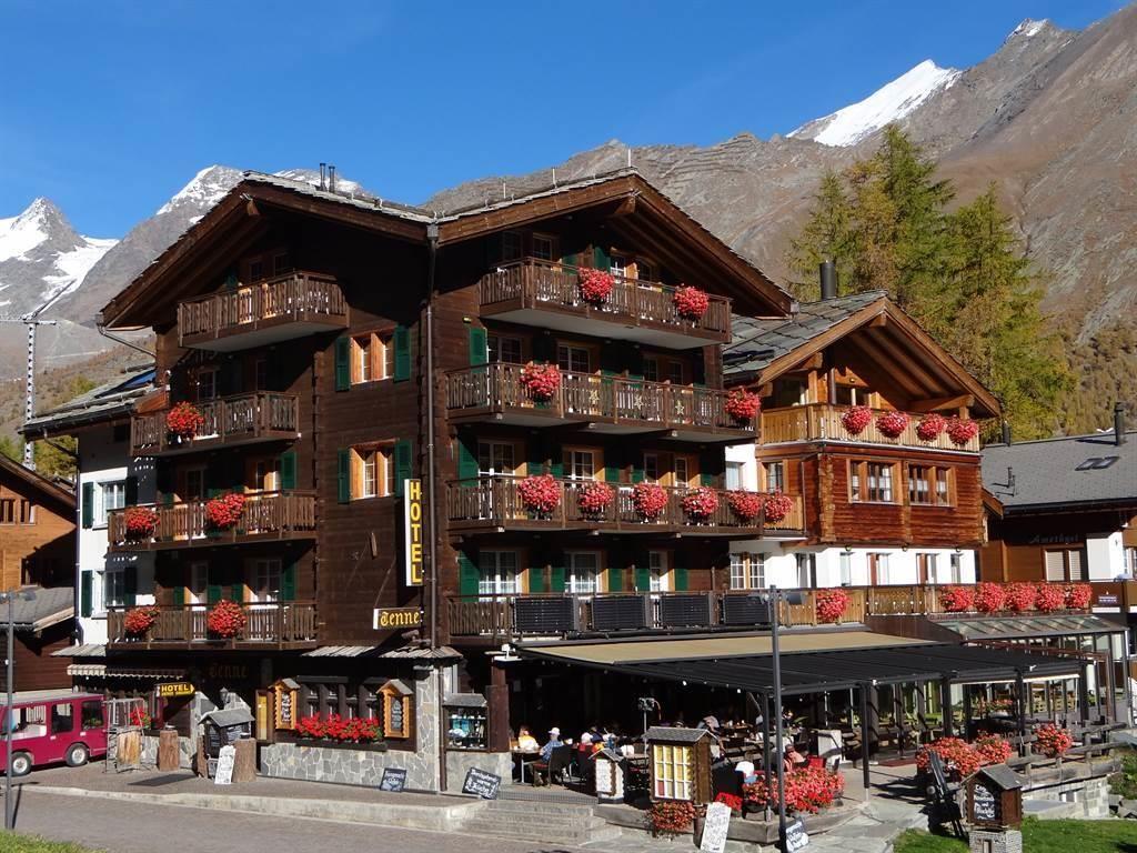 Hotel Tenne im Herbst
