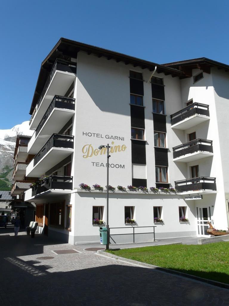 Hotel Domino im Sommer