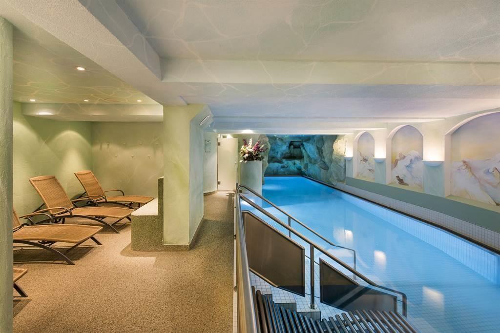 Hallenbad 1_Sunstar Hotel Saas-Fee Schweiz_s