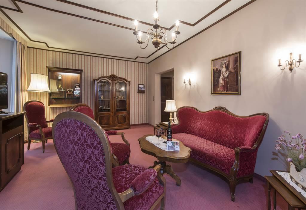 Suite Wohnzimmer 6 _Sunstar Hotel Saas-Fee_Origina