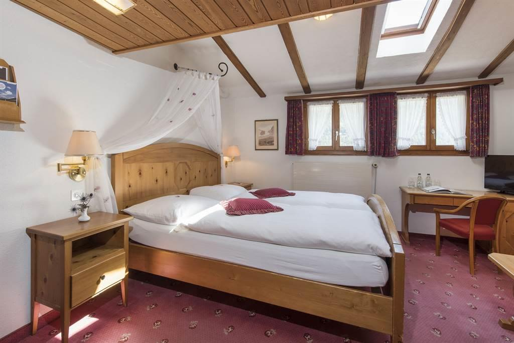 Doppelzimmer  Komfort 1_Sunstar Hotel Saas-Fee_Ori