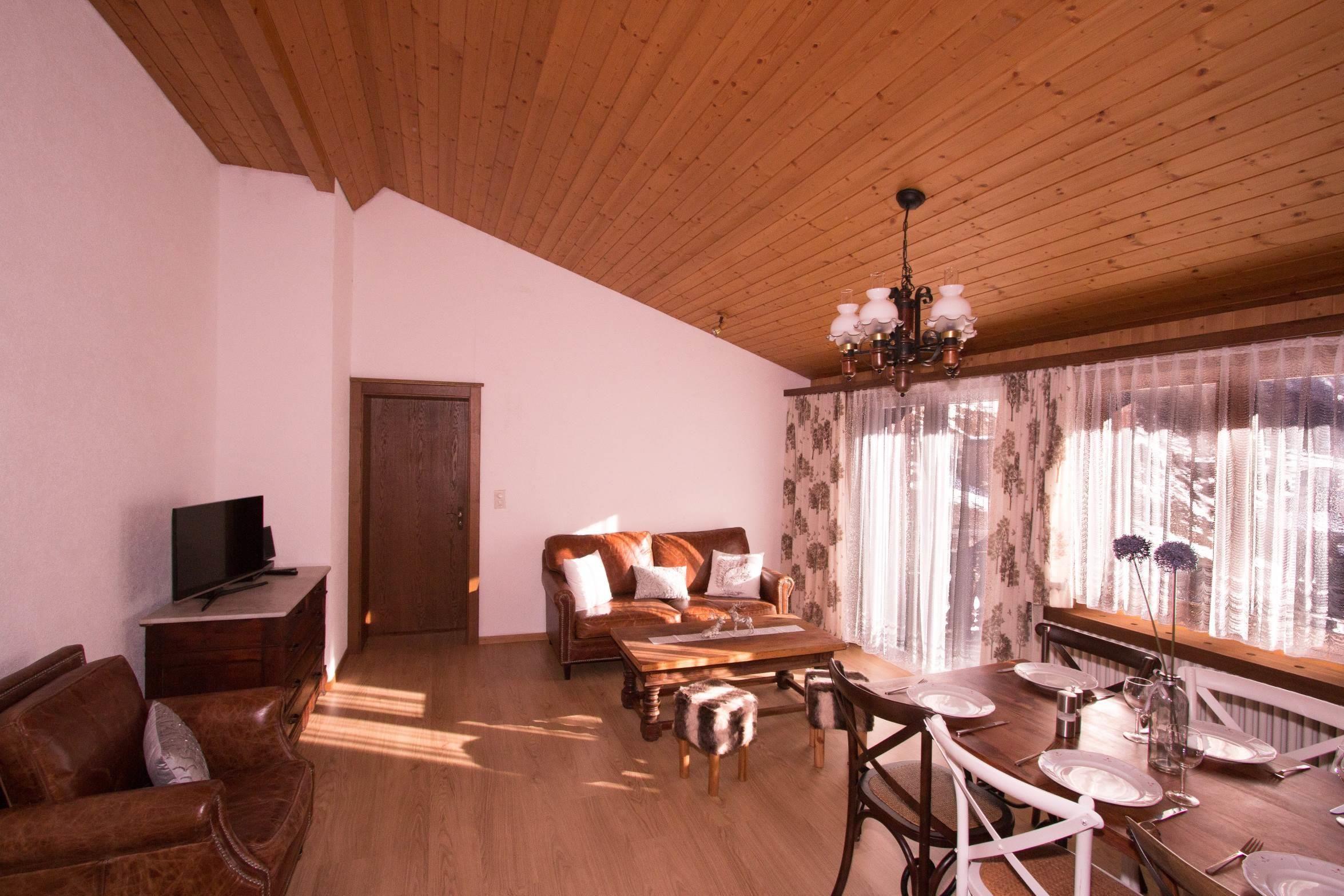 Wohnzimmer Grossaufnahme vom Flur - Ferienwohnung