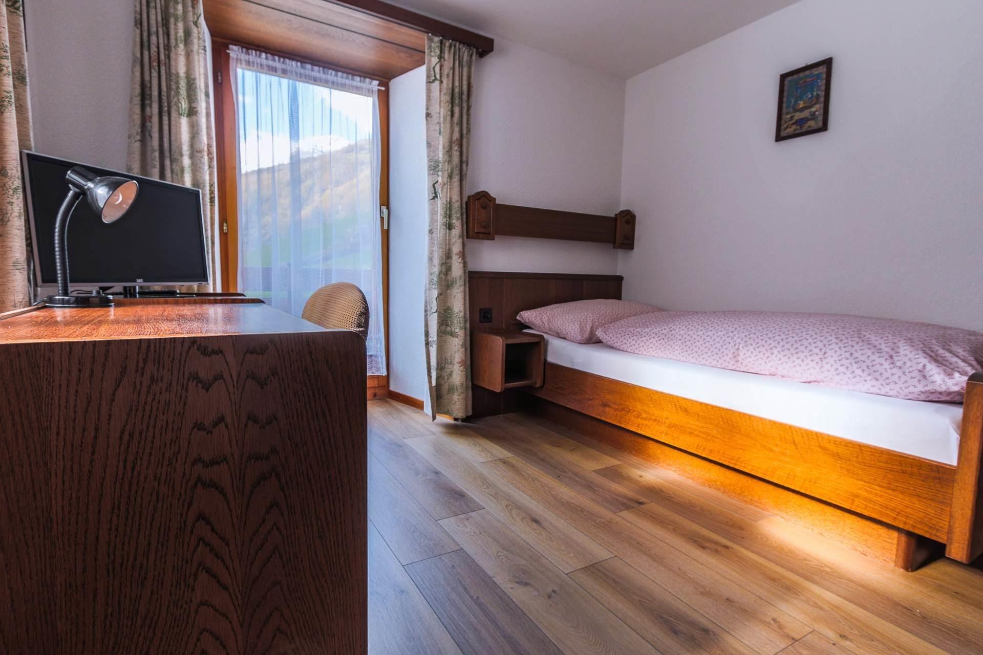 room 15 - Allalin - Monte Rosa