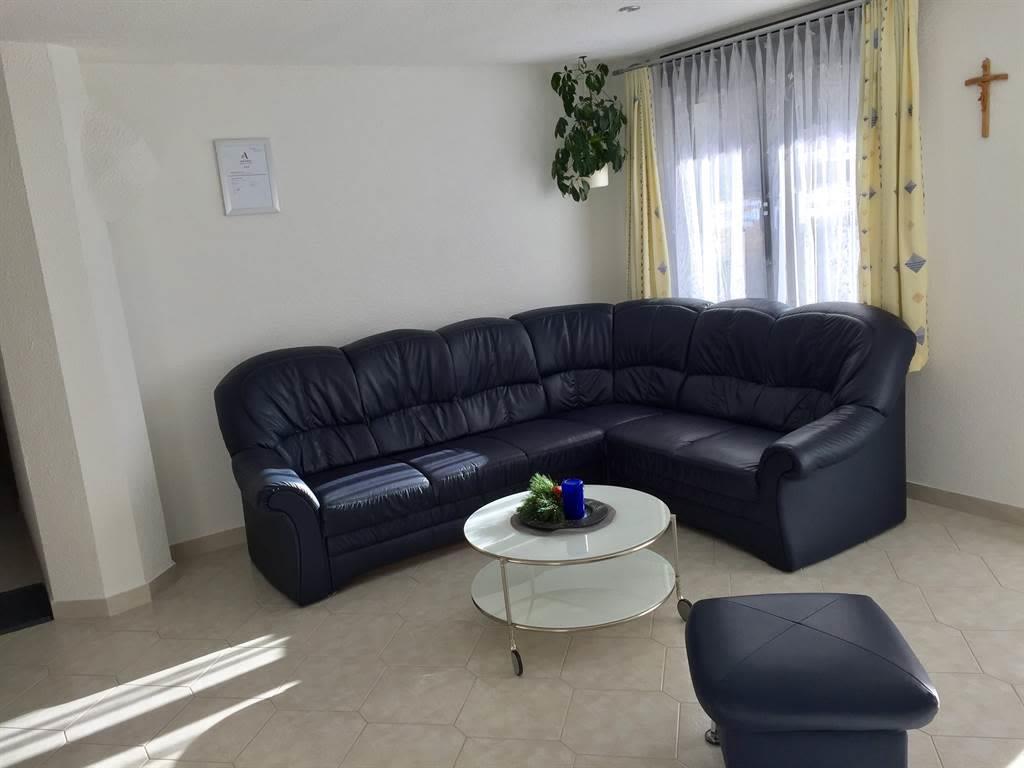 Wohnzimmer und Couch