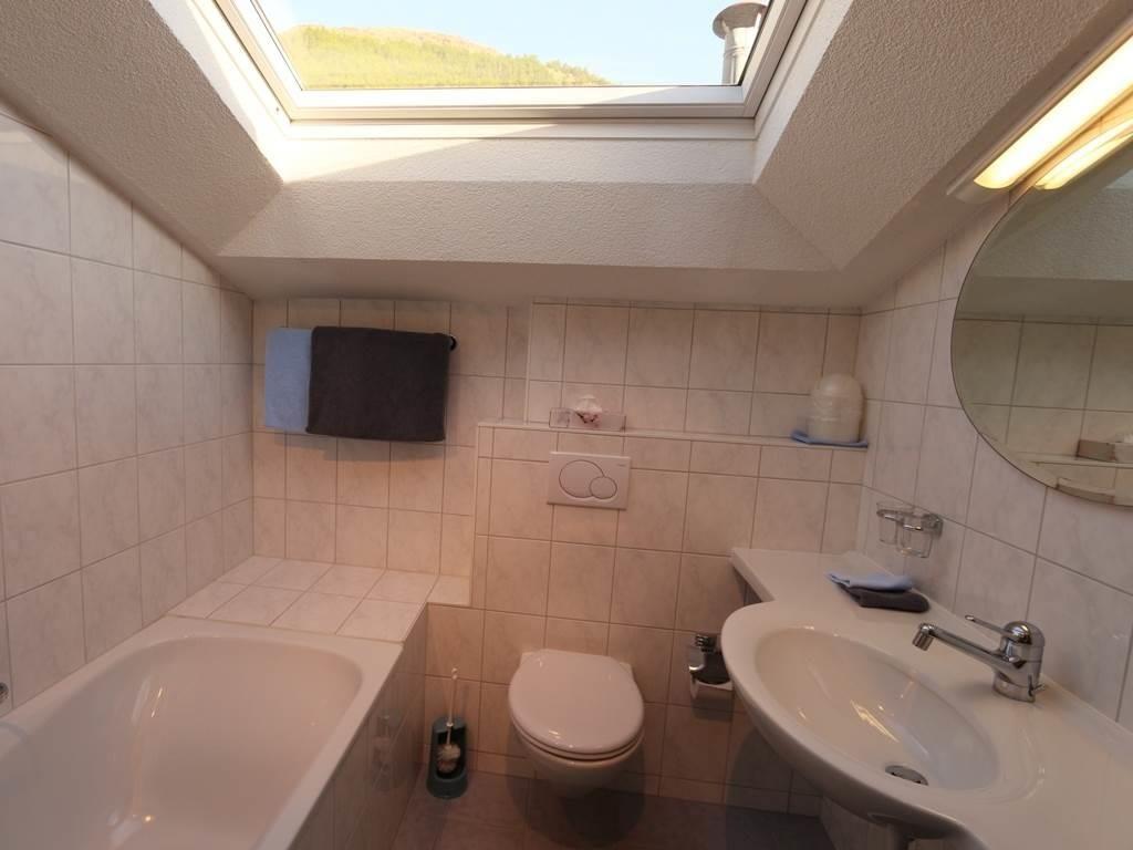 Badezimmer Wohnung 10