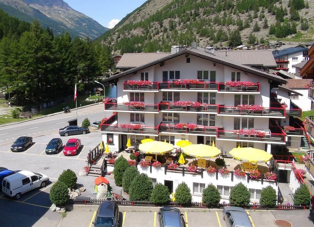 Luftaufnahme Hotel Mattmarkblick 1