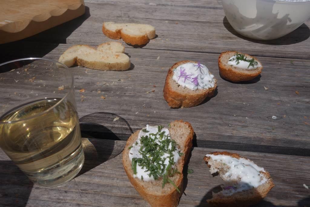 Häppchen mit Saaserkräuter