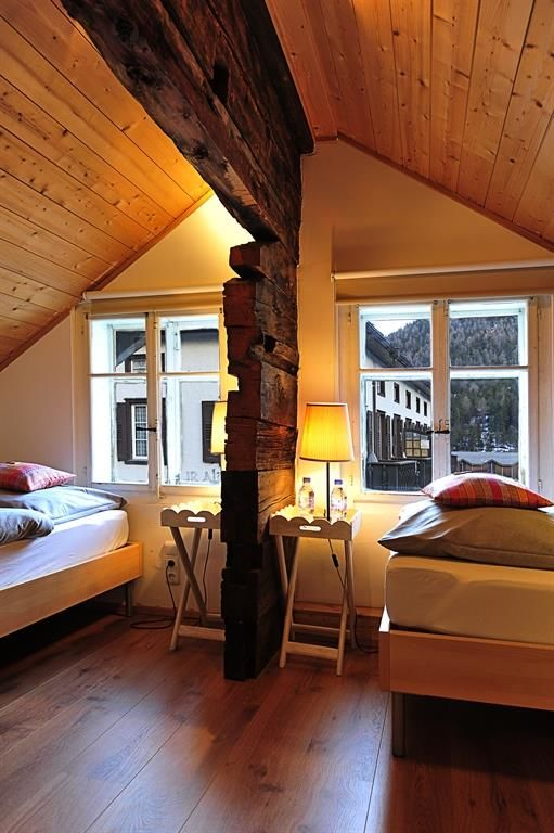 2 Schlafzimmer OG