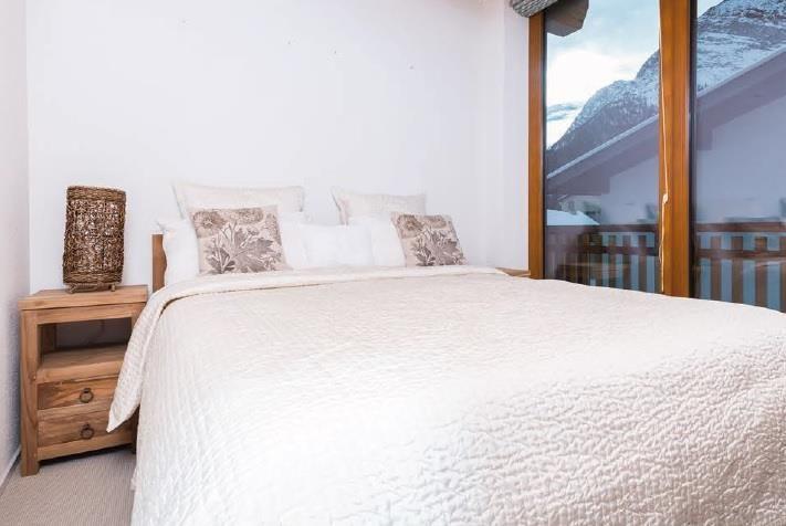 Sonnegg Penthouse Bedroom 1