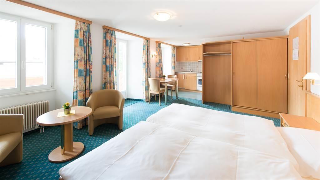 hotel_portjengrat_saas_almagell_doppelzimmer_kuech