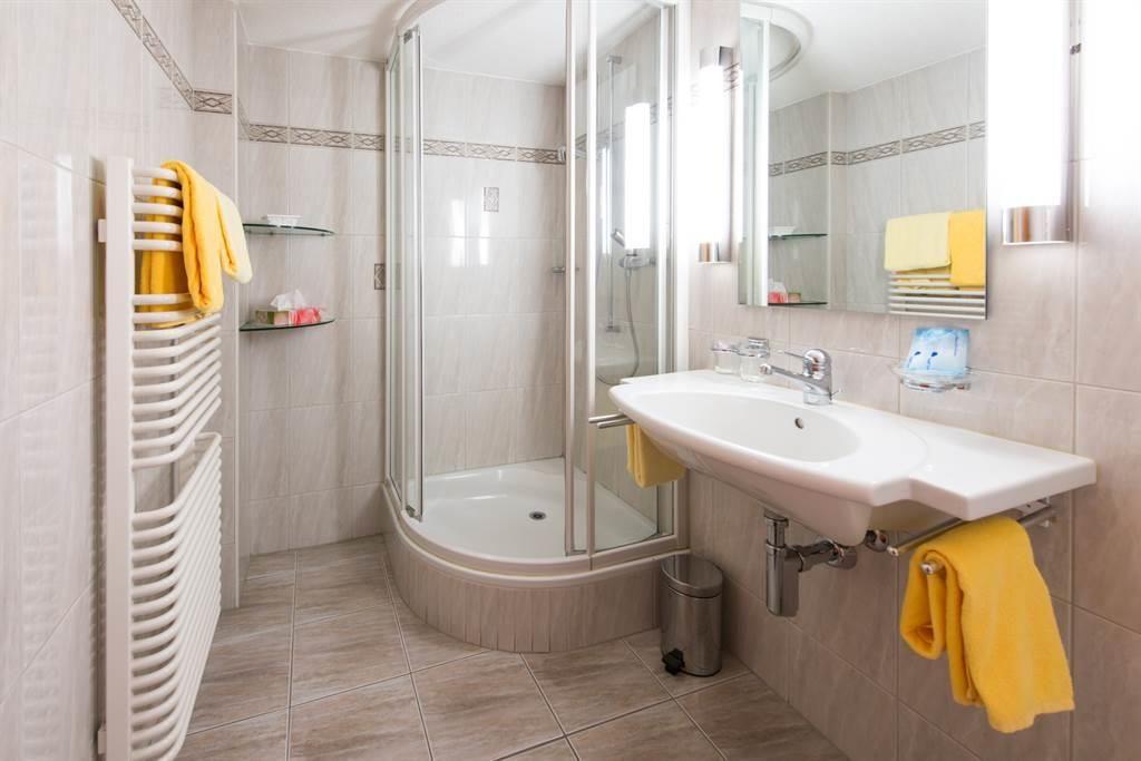 hotel_portjengrat_saas_almagell_nasszelle
