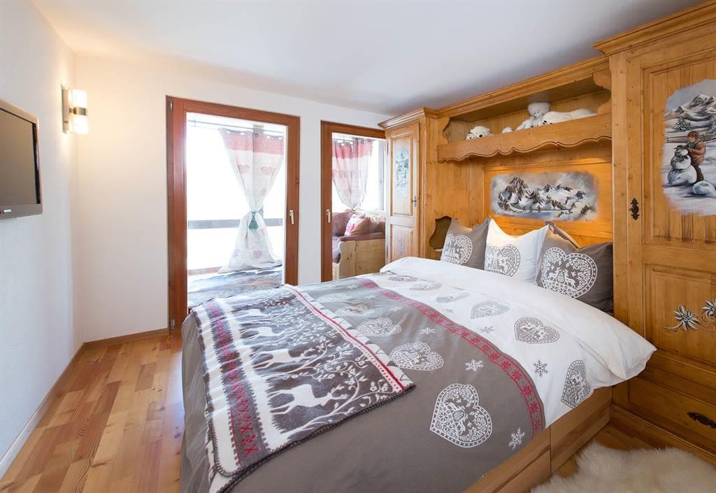 Bedroom_1_2