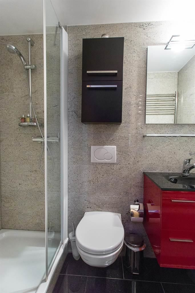 toilets14_03