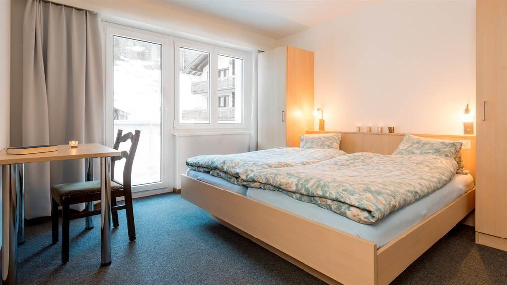 Schlafzimmer mit Balkdon - Richtung Westen
