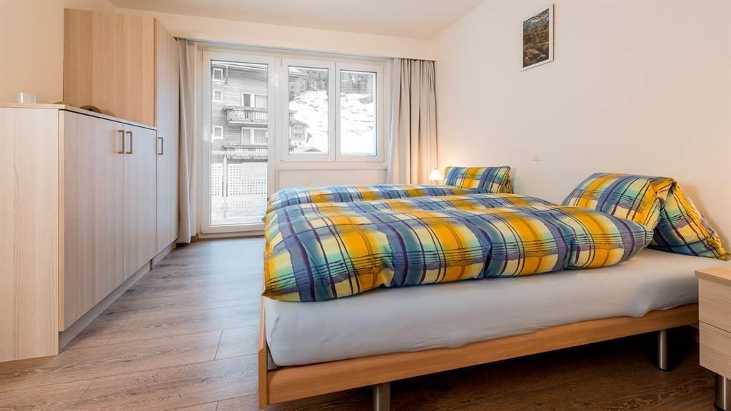 Schlafzimmer mit Balkon - Richtung Westen