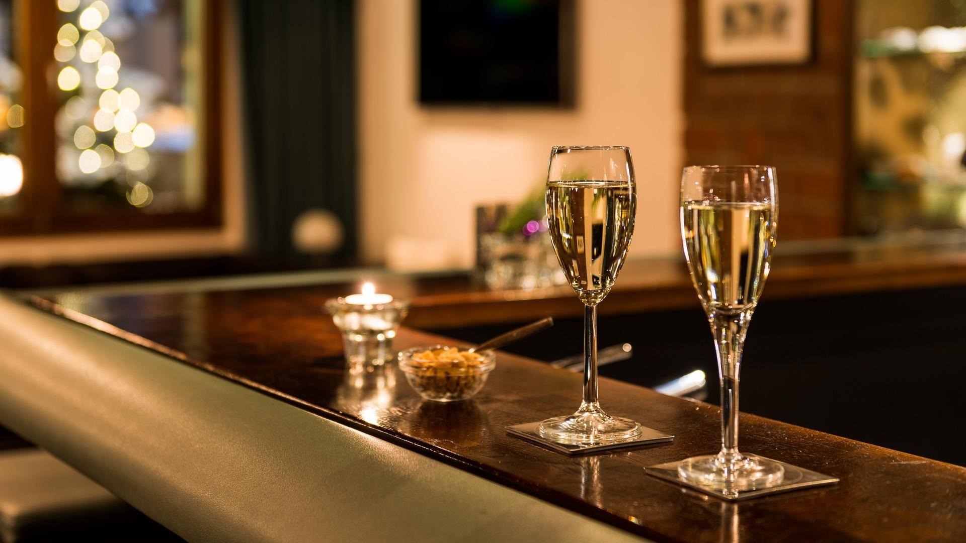 Bar und Salon Kristall