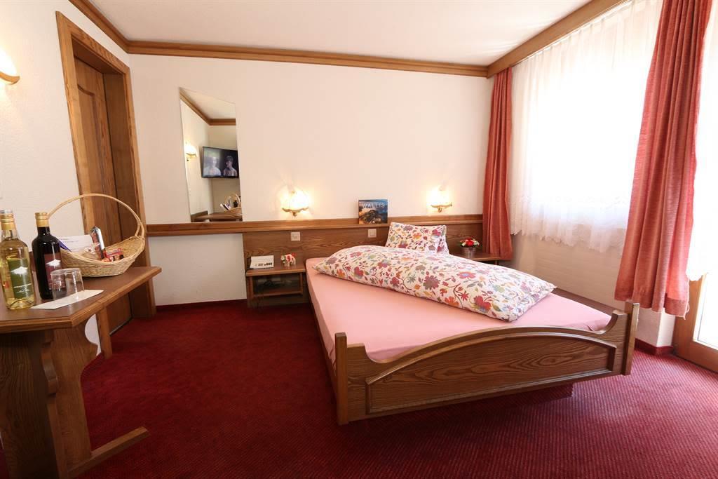 Einzelzimmer (2)