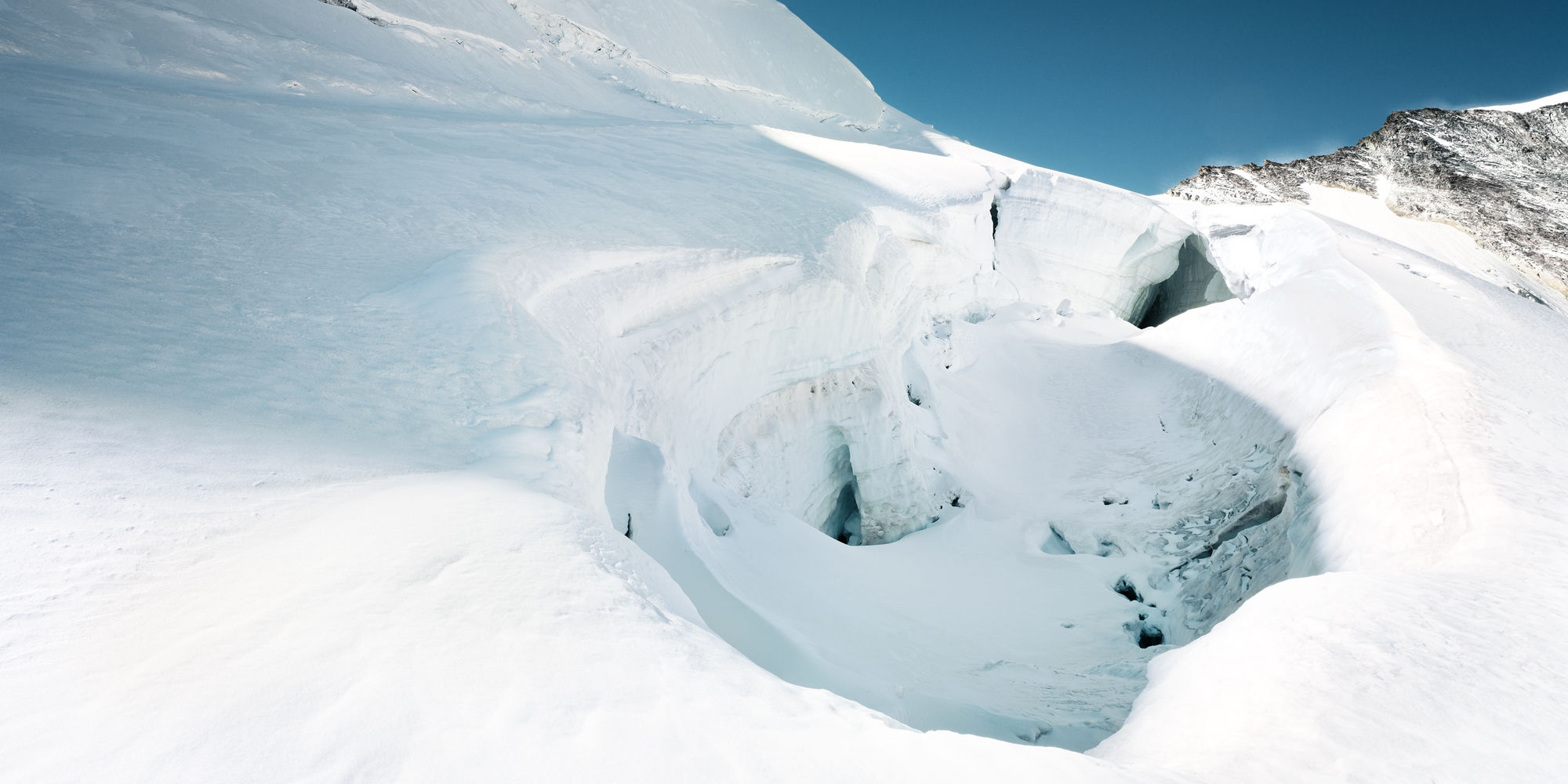 Gletscherspalte in der Freien Ferienrepublik Saas-Fee