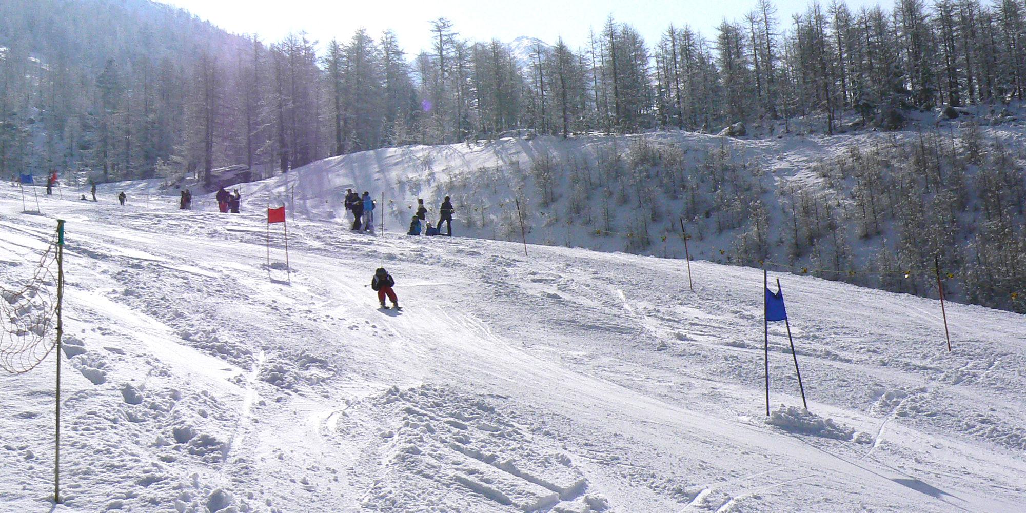 Course de la vallée dans la République Libre des Vacances Saas-Fee
