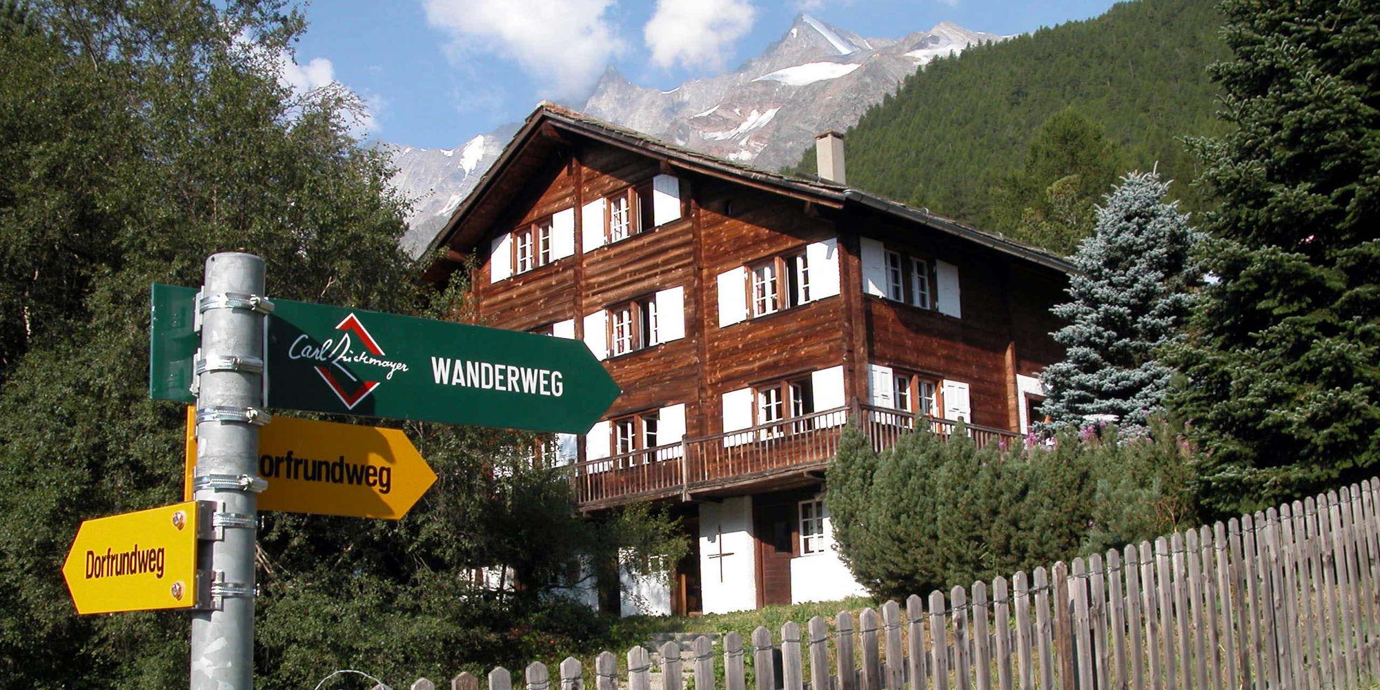 Zuckmayer-Wanderweg in der Freien Ferienrepublik Saas-Fee