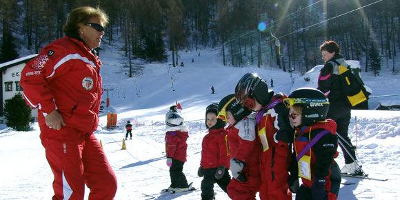 Kinderskischule in der Freien Ferienrepublik Saas-Fee