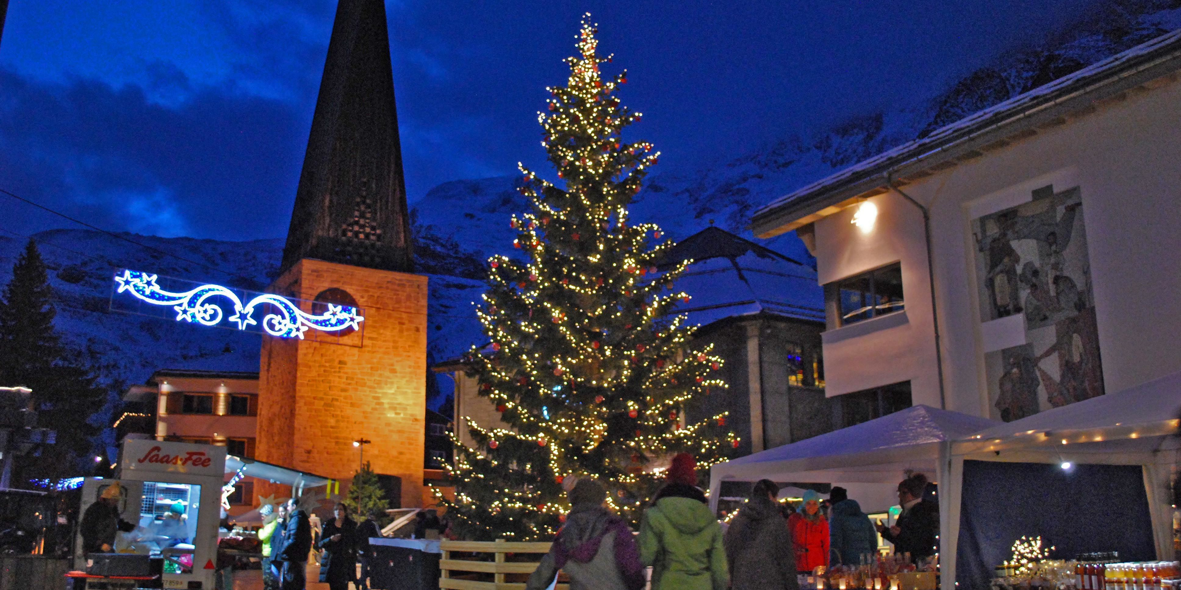 [Translate to English:] Weihnachtmarkt Saas-Fee