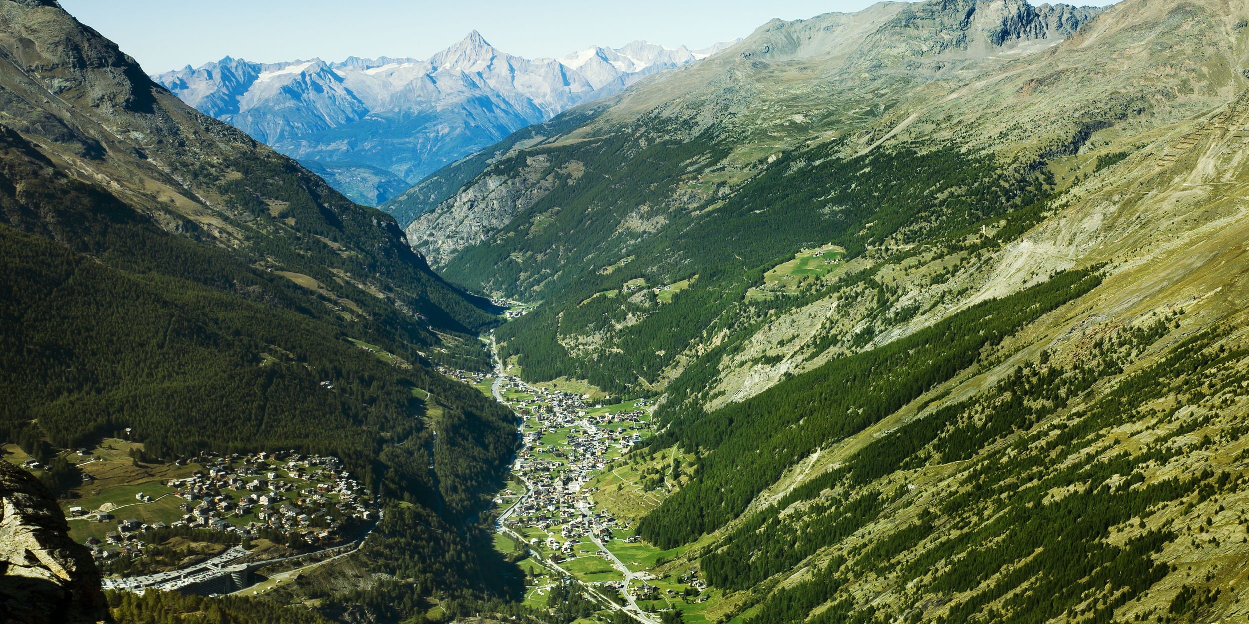 [Translate to English:] Das Saastal der Freien Ferienrepublik Saas-Fee