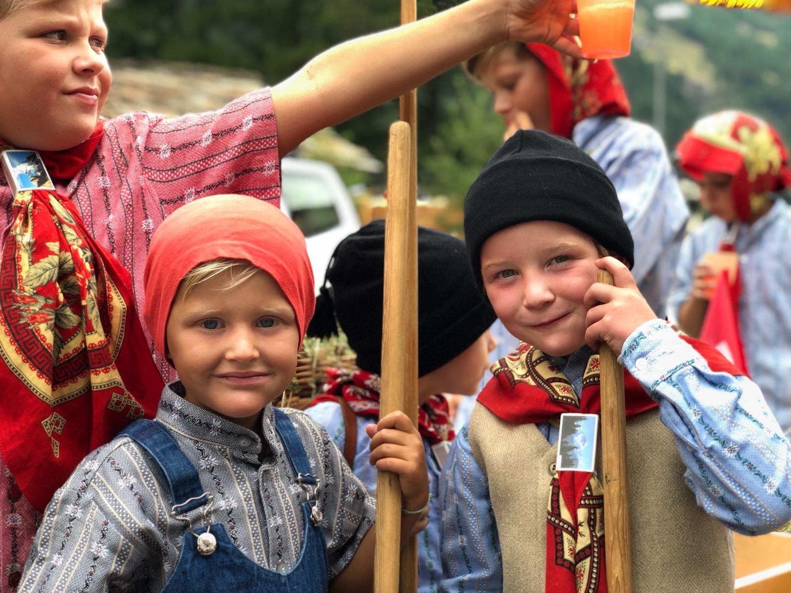 """1 August Umzug Kinder"""