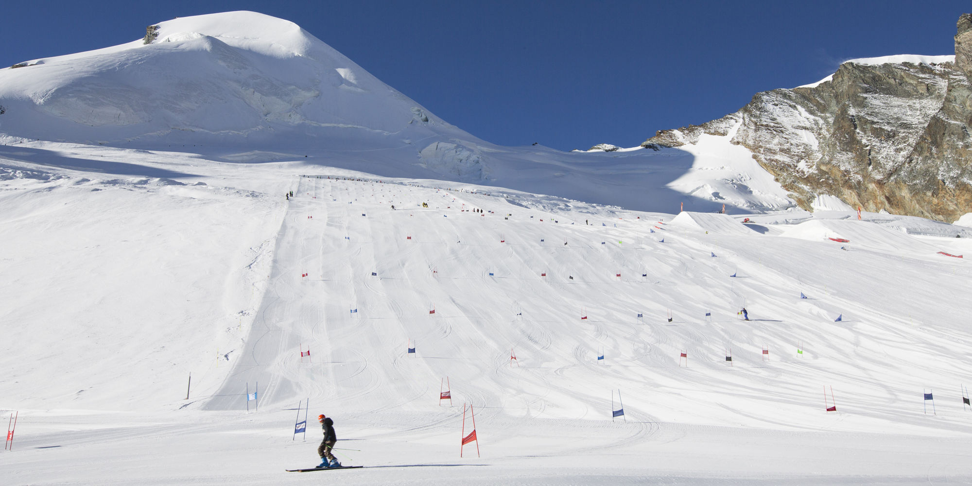 Summer ski in the Free Republic of Holidays Saas-Fee