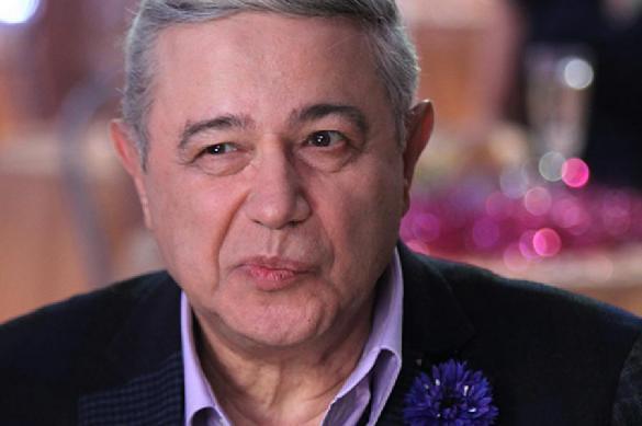 Петросян осадил спросивших его о ребенке журналистов