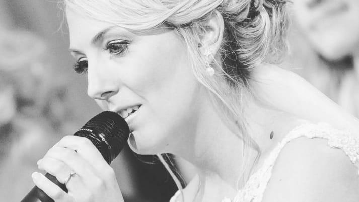 "Hochzeitssängerin Jennifer Hanke-Klawitter ""Singing Moments"""